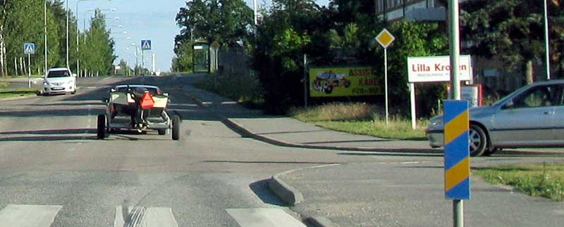 Priority road, example